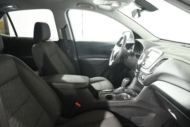 2018 Chevrolet Equinox LT w/ Nav/ Heated Seats/ Safet photo