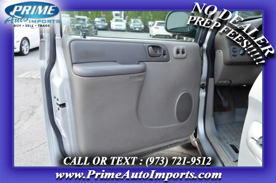 Used Chrysler Town & Country 4dr FWD 2003   Prime Auto Imports. Bloomingdale, New Jersey