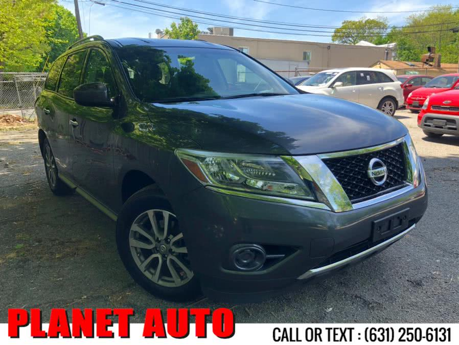 Used Nissan Pathfinder 4WD 4dr SV 2014 | Planet Auto Group. Huntington Station, New York