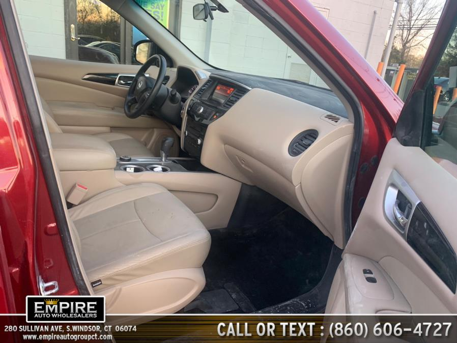 Used Nissan Pathfinder 4WD 4dr SV 2016 | Empire Auto Wholesalers. S.Windsor, Connecticut
