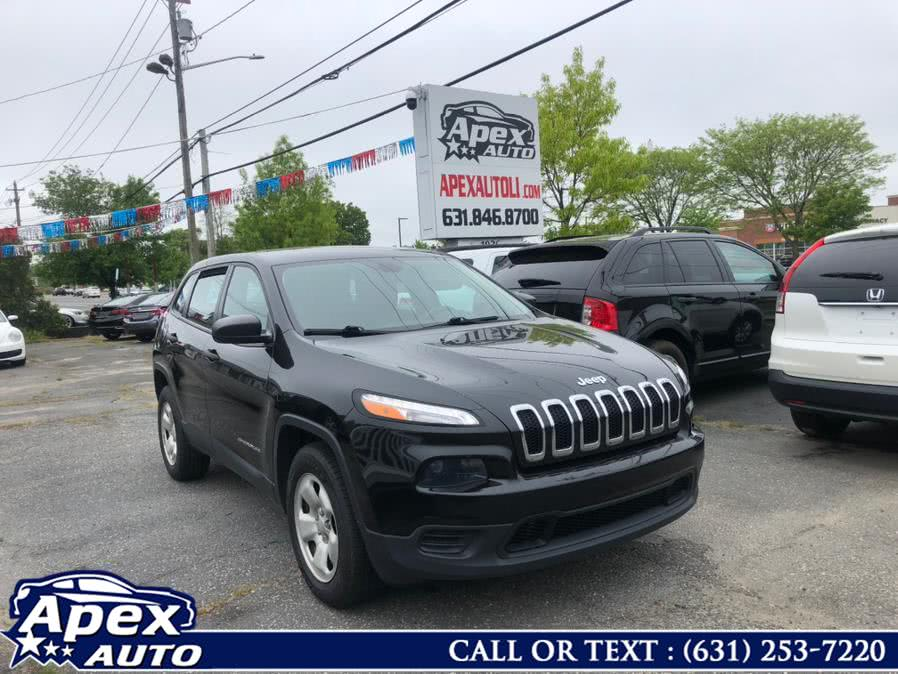 Used 2016 Jeep Cherokee in Selden, New York | Apex Auto. Selden, New York