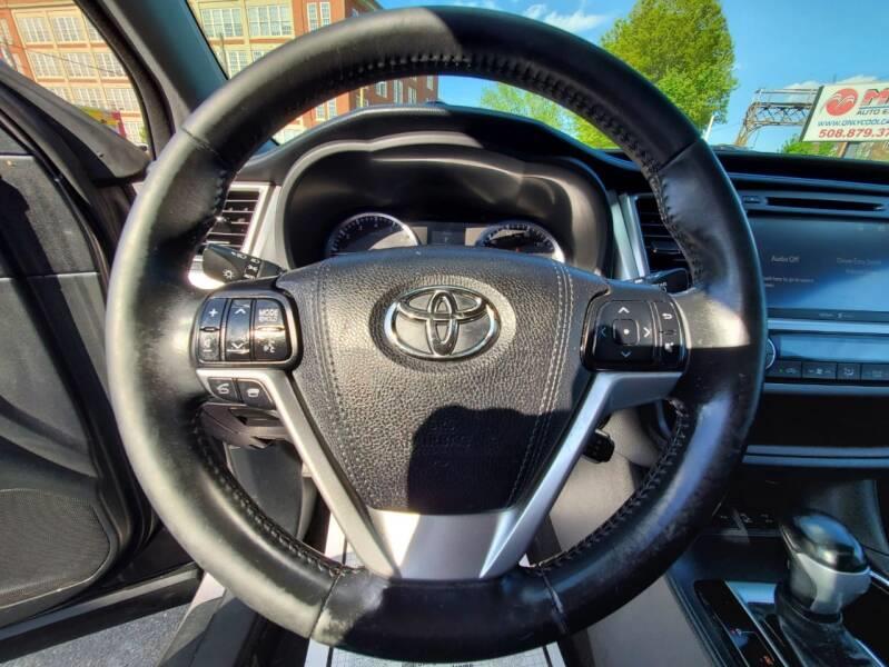 Used Toyota Highlander XLE AWD 4dr SUV 2015   Mass Auto Exchange. Framingham, Massachusetts