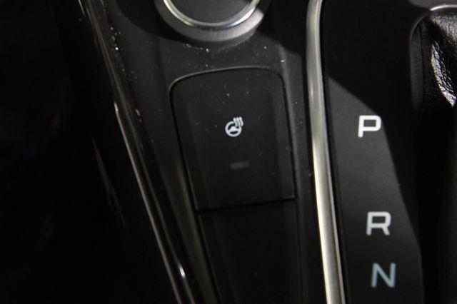 2016 Ford Focus Titanium photo