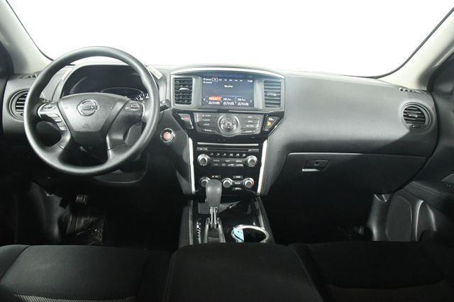 2017 Nissan Pathfinder S photo