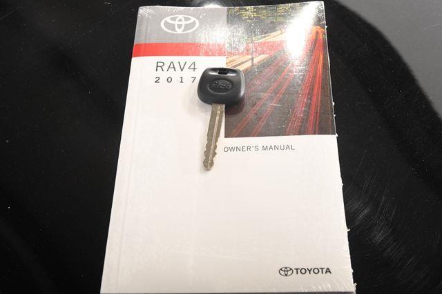 2017 Toyota RAV4 LE photo