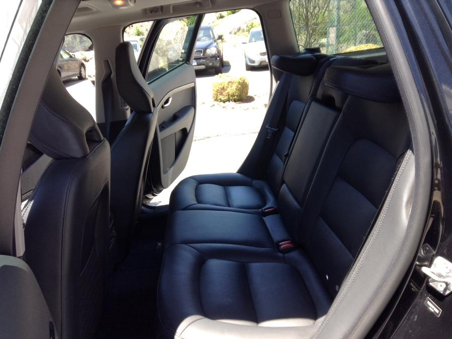 Used Volvo XC70 2015.5 AWD 4dr Wgn T6 Platinum 2015 | Eurocars Plus. Groton, Connecticut