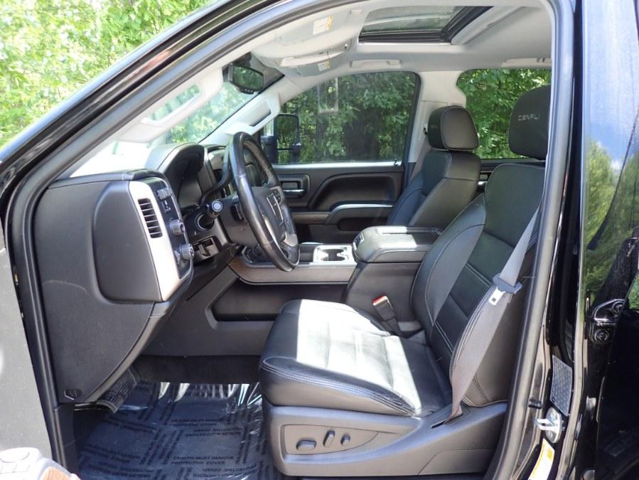 "Used GMC Sierra 3500HD 4WD Crew Cab 153.7"" Denali 2017 | Eagleville Motors. Storrs, Connecticut"