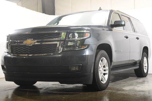 The 2019 Chevrolet Suburban LT w/ DvD/ Nav/ Safety Tech photos