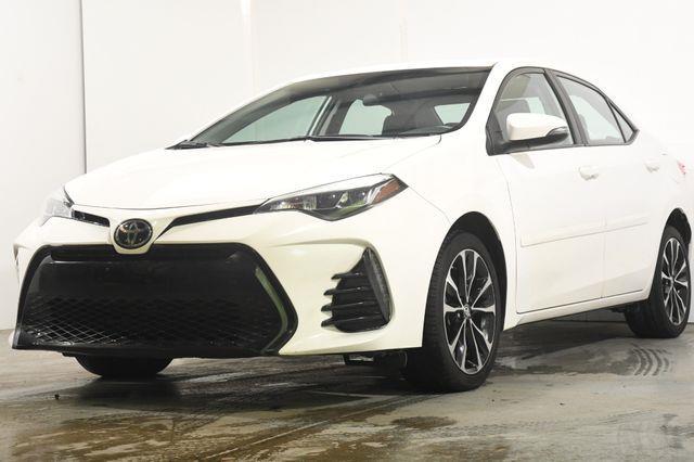 The 2017 Toyota Corolla SE photos