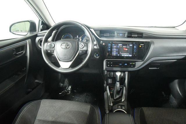 2017 Toyota Corolla SE photo