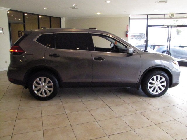 Used Nissan Rogue 2017.5 FWD S 2017 | Auto Network Group Inc. Placentia, California