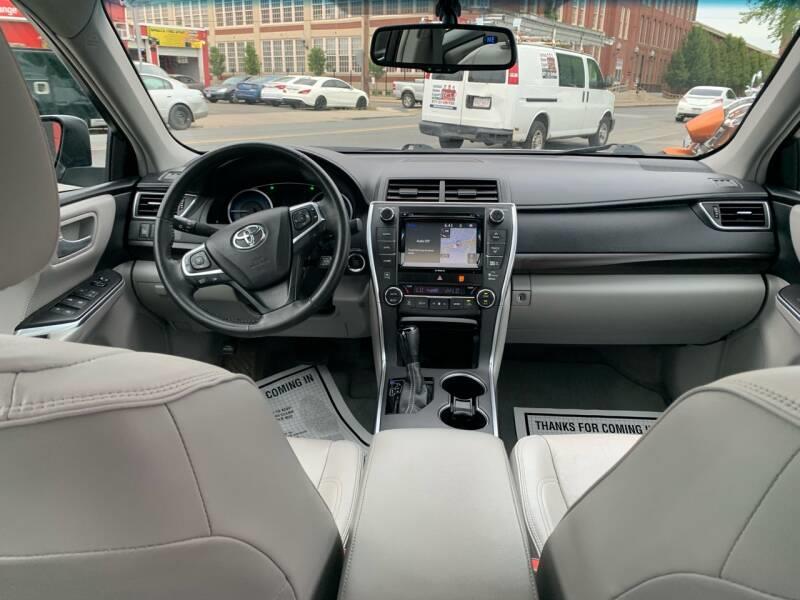 Used Toyota Camry XLE V6 4dr Sedan 2017   Mass Auto Exchange. Framingham, Massachusetts