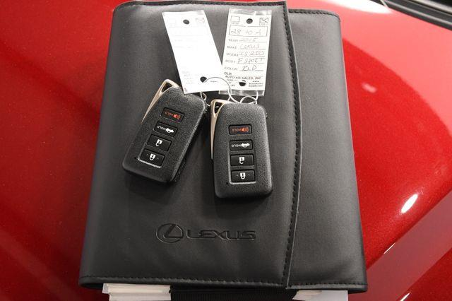2015 Lexus IS 250 photo