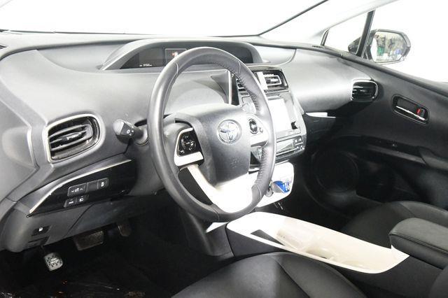 2016 Toyota Prius Four Touring w/ Leather / Nav/ photo