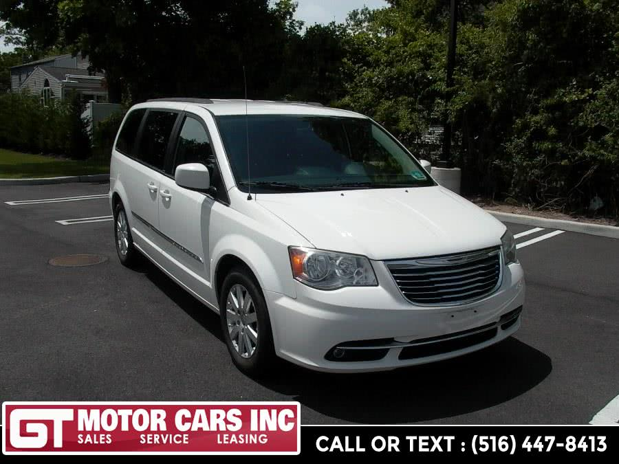Used 2013 Chrysler Town & Country in Bellmore, New York