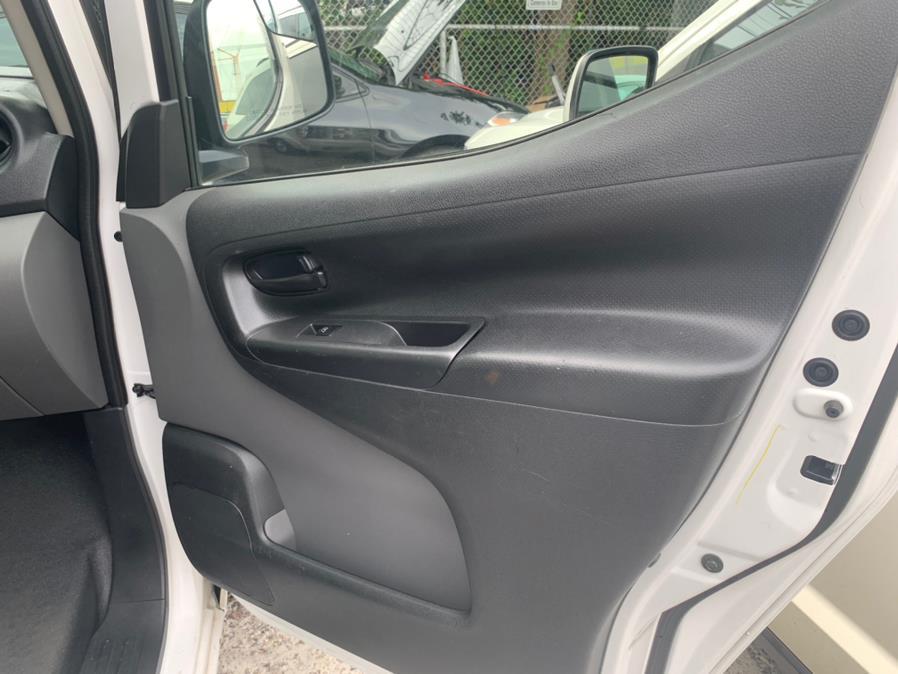 Used Nissan NV200 I4 S 2015 | Atlantic Used Car Sales. Brooklyn, New York