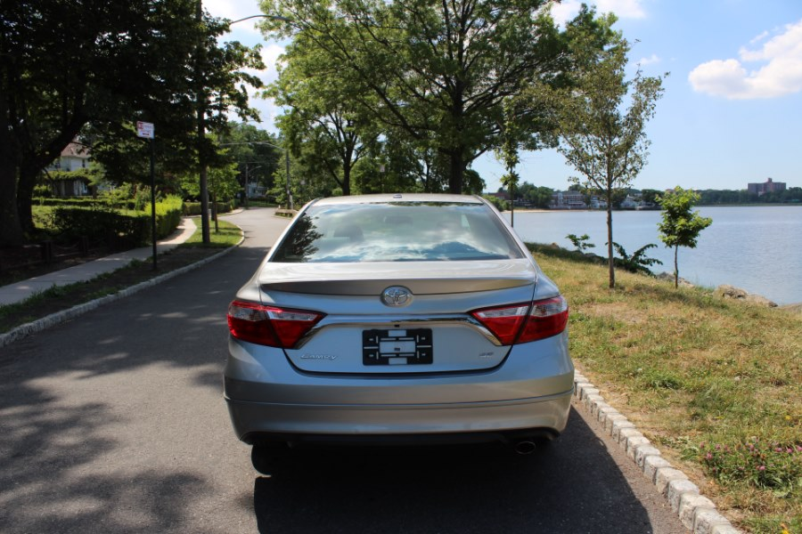 2015 Toyota Camry 4dr Sdn I4 Auto SE, available for sale in Great Neck, NY