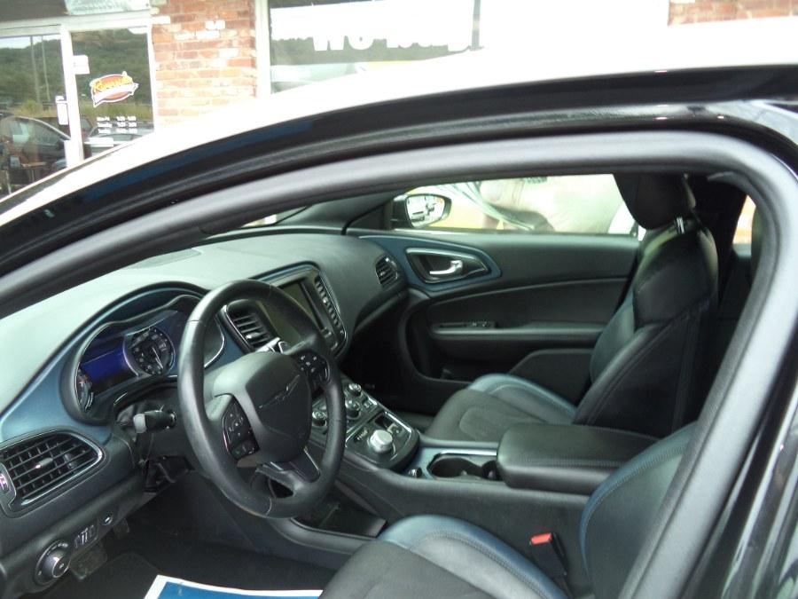 Used Chrysler 200 4dr Sdn S AWD 2015   Riverside Motorcars, LLC. Naugatuck, Connecticut