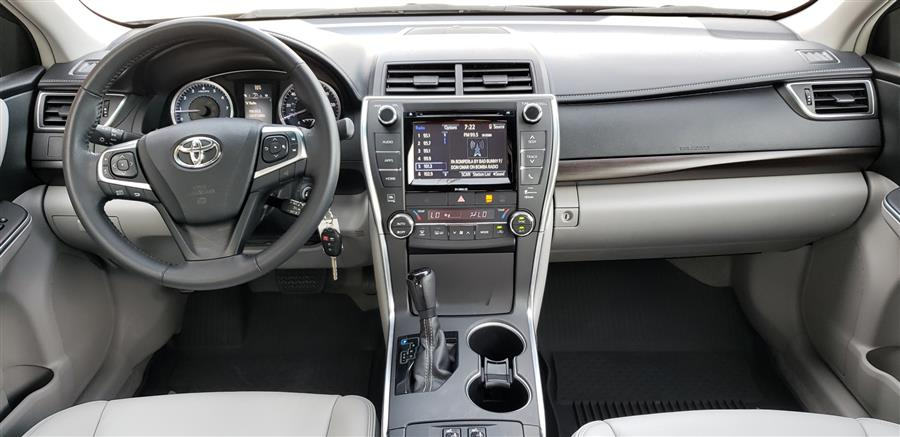Used Toyota Camry XLE Automatic 2017 | National Auto Brokers, Inc.. Waterbury, Connecticut