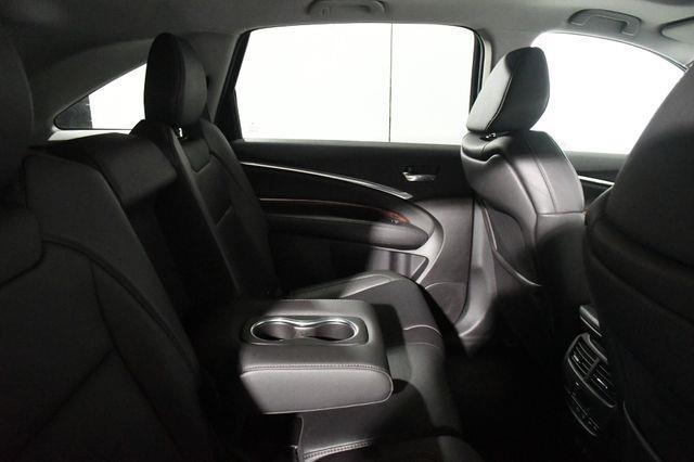 2017 Acura MDX SH-AWD photo