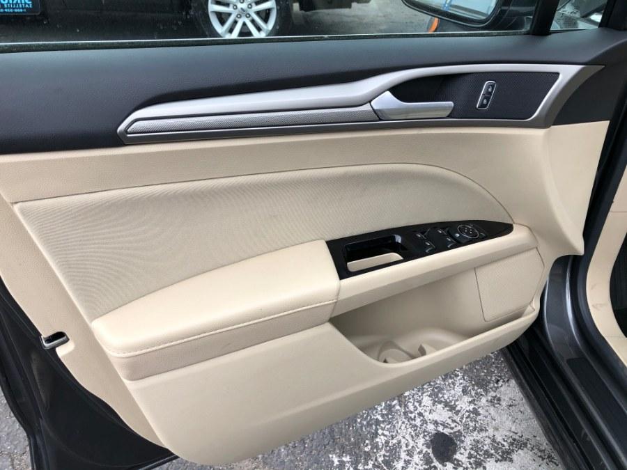 2016 Ford Fusion 4dr Sdn SE FWD photo