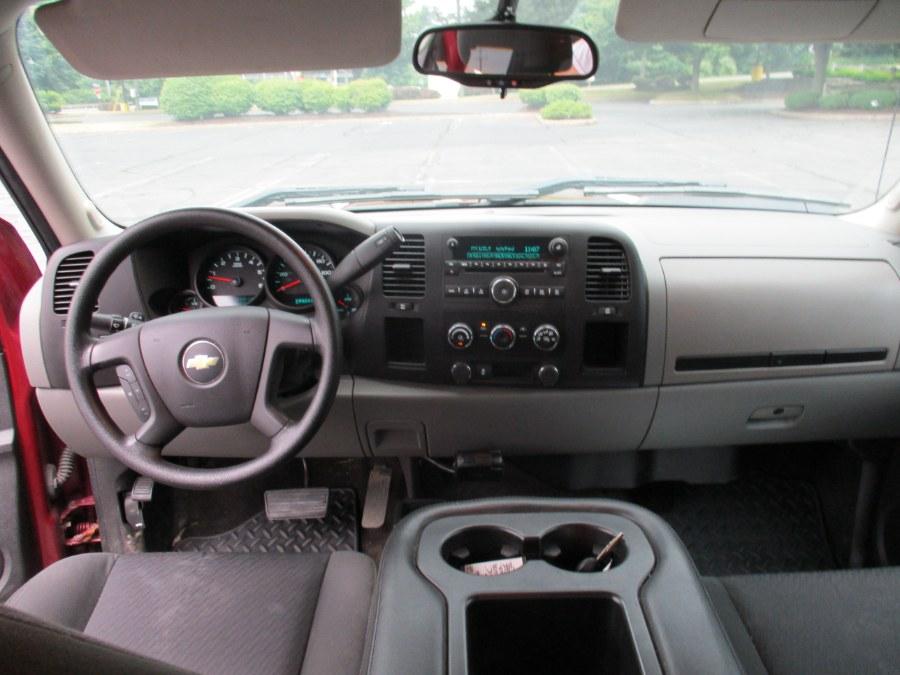 "Used Chevrolet Silverado 1500 4WD Ext Cab 143.5"" 2013   Universal Motors LLC. New Britain, Connecticut"
