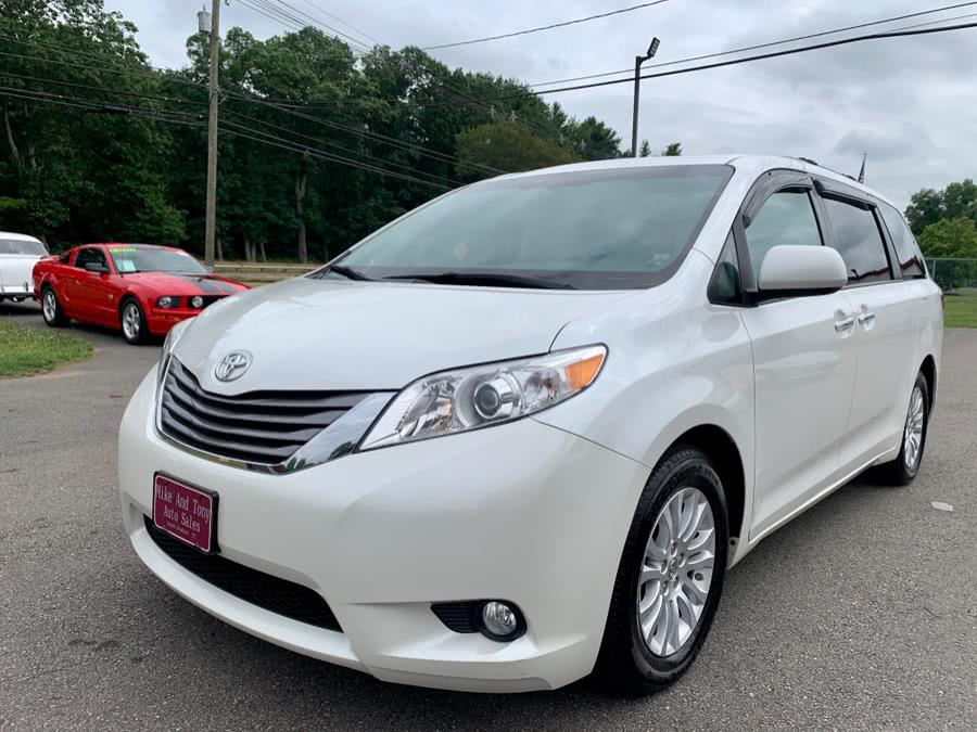 Used Toyota Sienna 5dr 7-Pass Van XLE AAS FWD (Natl) 2015 | Mike And Tony Auto Sales, Inc. South Windsor, Connecticut