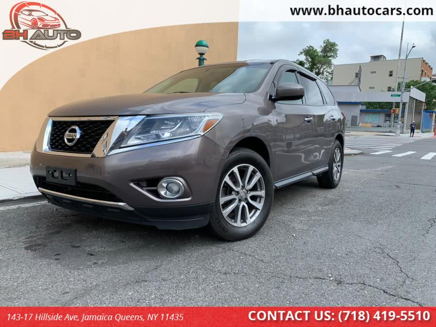 Used 2013 Nissan Pathfinder in Jamaica Queens, New York | BH Auto. Jamaica Queens, New York