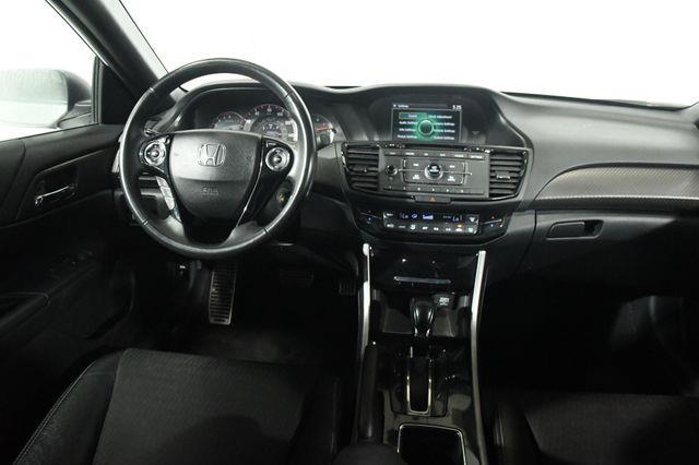 2016 Honda Accord Sport SE photo