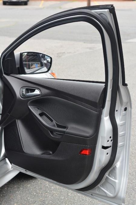 Used Ford Focus 4dr Sdn SE 2015   New Beginning Auto Service Inc . Ashland , Massachusetts