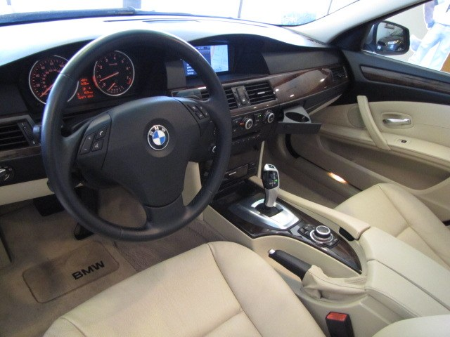 Used BMW 5 Series 4dr Sdn 528i RWD 2010 | Auto Network Group Inc. Placentia, California