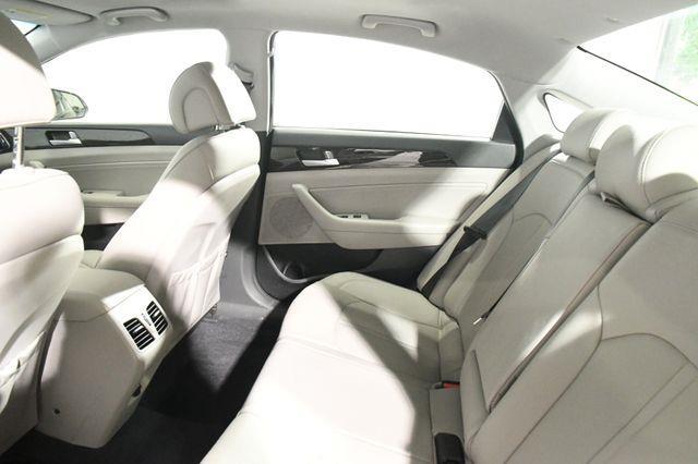 2016 Hyundai Sonata Limited w/ Nav/ Blind Spot/ Pa photo