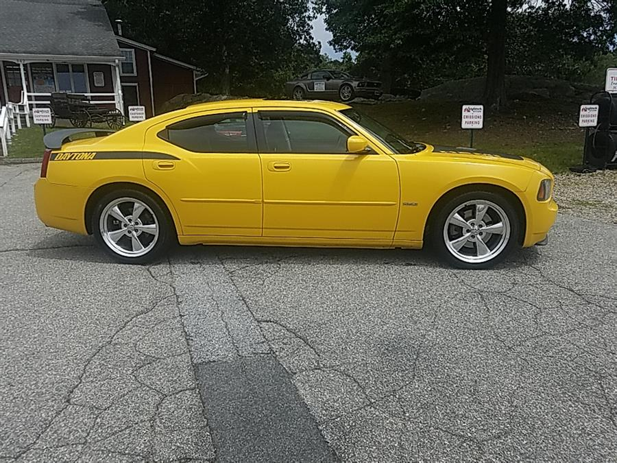 Used Dodge Charger 4dr Sdn R/T RWD 2006 | Saybrook Auto Barn. Old Saybrook, Connecticut