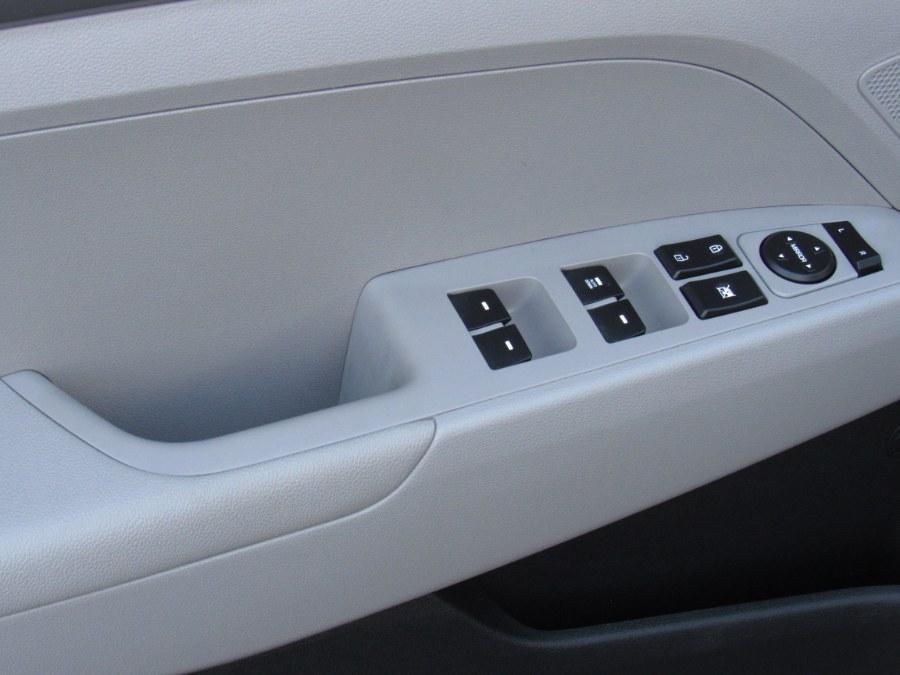 Used Hyundai Elantra SE 2.0L Auto (Ulsan) *Ltd Avail* 2017 | NJ Used Cars Center. Irvington, New Jersey