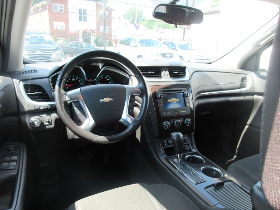 2016 Chevrolet Traverse AWD 4dr LT w/1LT photo