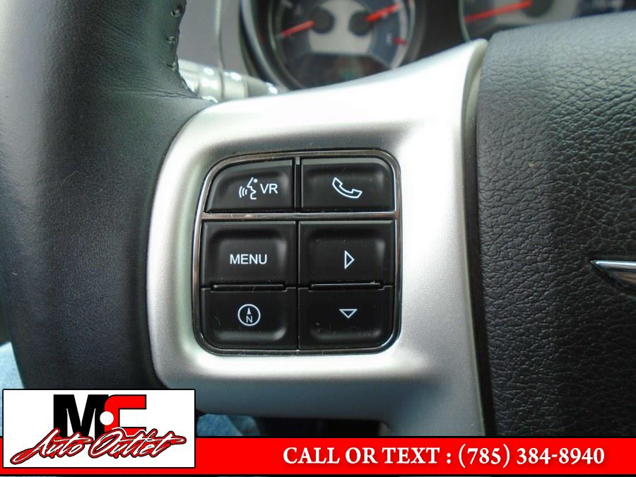 Used Chrysler 200 4dr Sdn Limited 2012 | M C Auto Outlet Inc. Colby, Kansas