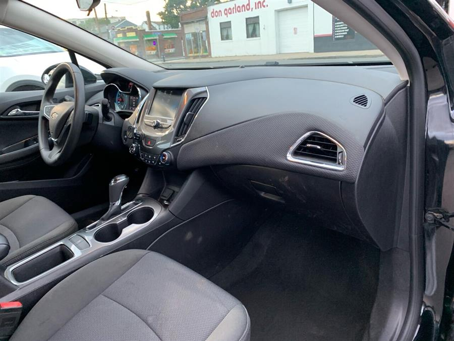 Used Chevrolet Cruze LT Auto 4dr Sedan 2017 | Mass Auto Exchange. Framingham, Massachusetts