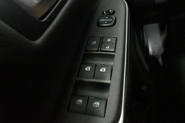 2017 Toyota Camry SE w/ Sunroof photo