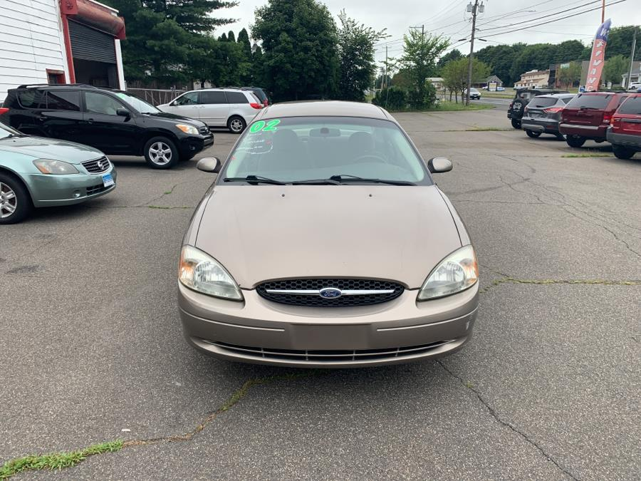 Used Ford Taurus 4dr Sdn SE Standard 2002 | American Auto Specialists Inc.. Berlin, Connecticut