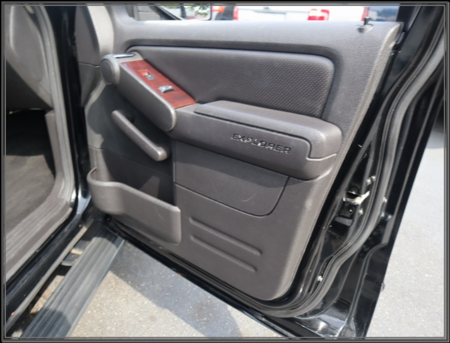 """Used Ford Explorer 4dr 114"""" WB 4.6L Limited 4WD 2006 