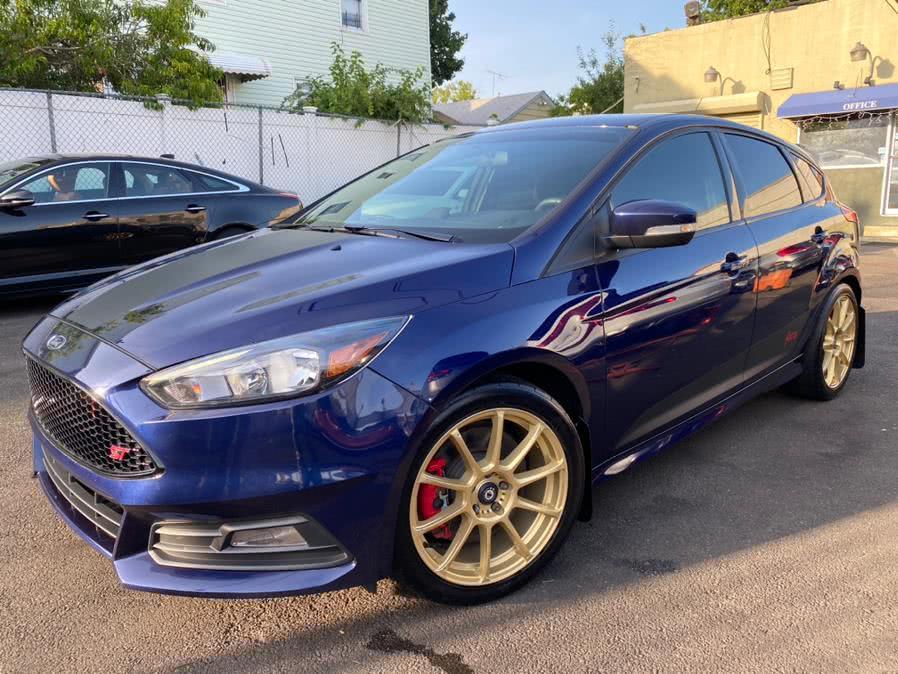 Used 2017 Ford Focus in Jamaica, New York | Sunrise Autoland. Jamaica, New York