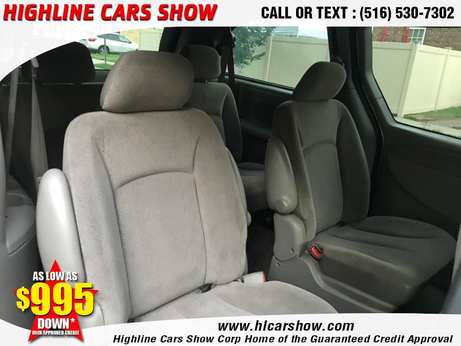 Used Chrysler Town & Country 4dr FWD 2003 | Highline Cars Show Corp. West Hempstead, New York