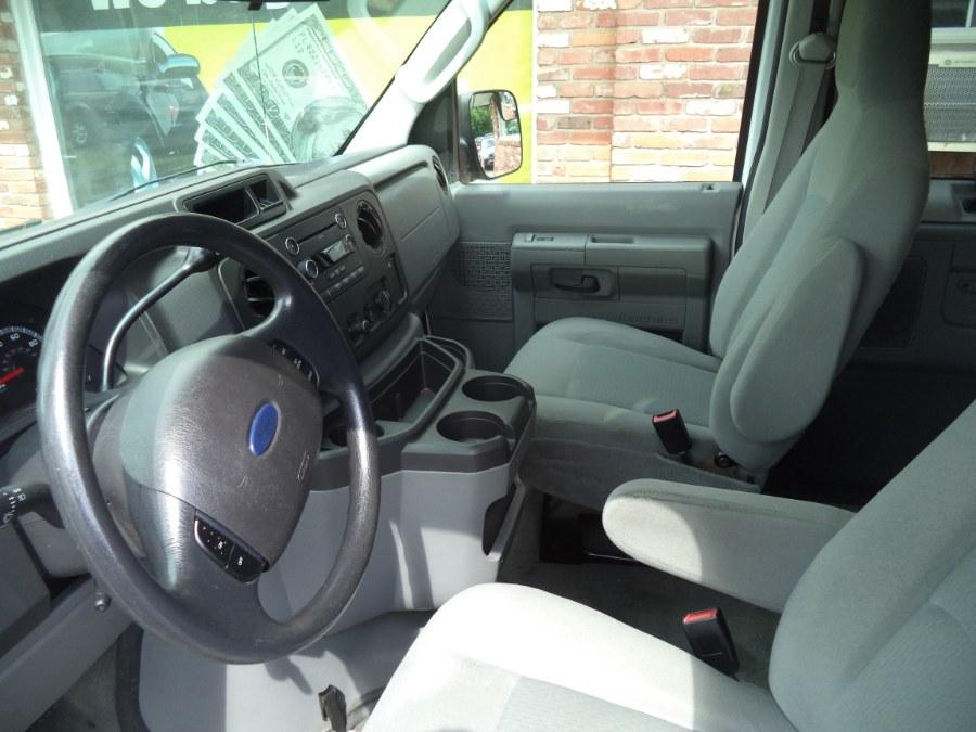 Used Ford Econoline Wagon E350 2012 | Riverside Motorcars, LLC. Naugatuck, Connecticut