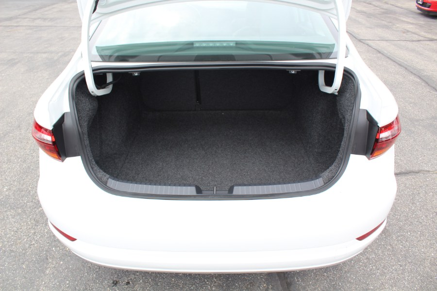 Used Volkswagen Jetta SE Auto w/SULEV 2019 | Car Tec Enterprise Leasing & Sales LLC. Deer Park, New York