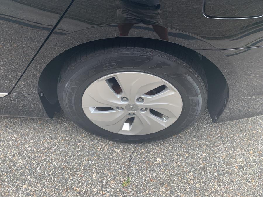 Used Hyundai Sonata Hybrid 4dr Sdn 2015 | TJ Motors. New London, Connecticut