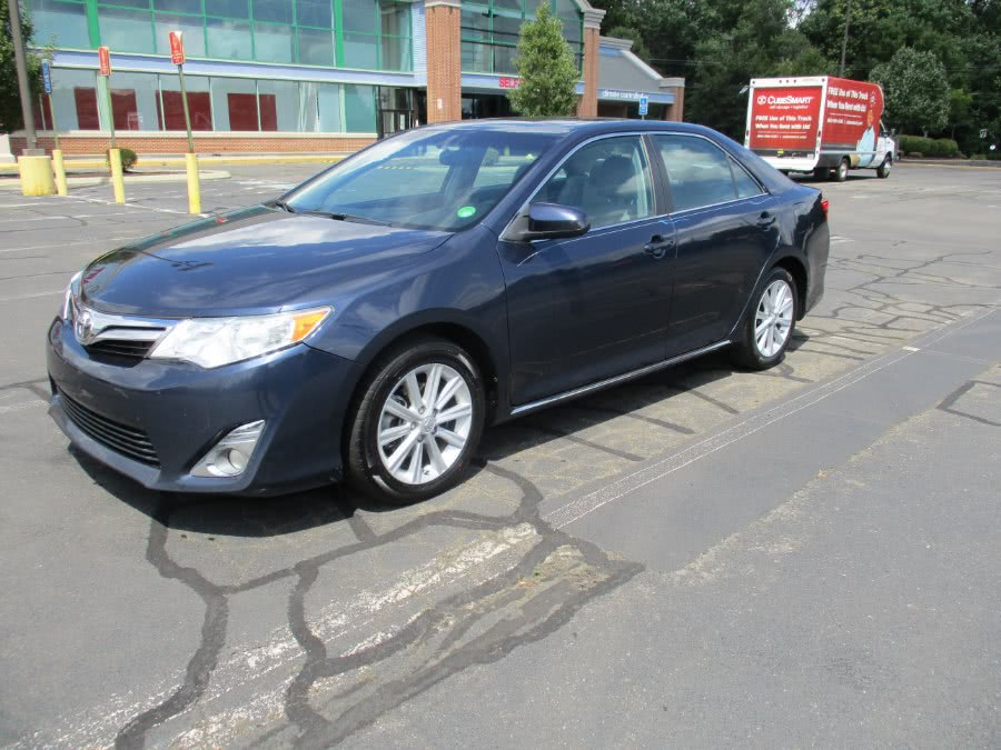 Used Toyota Camry 4dr Sdn I4 Auto XLE 2014   Universal Motors LLC. New Britain, Connecticut