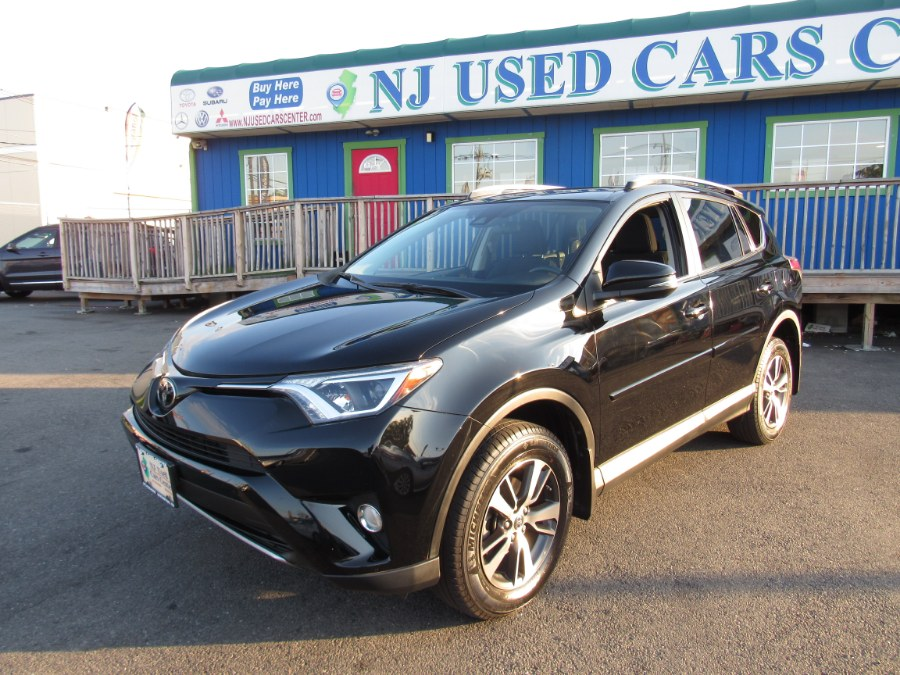 2017 Toyota RAV4 XLE AWD (Natl) photo