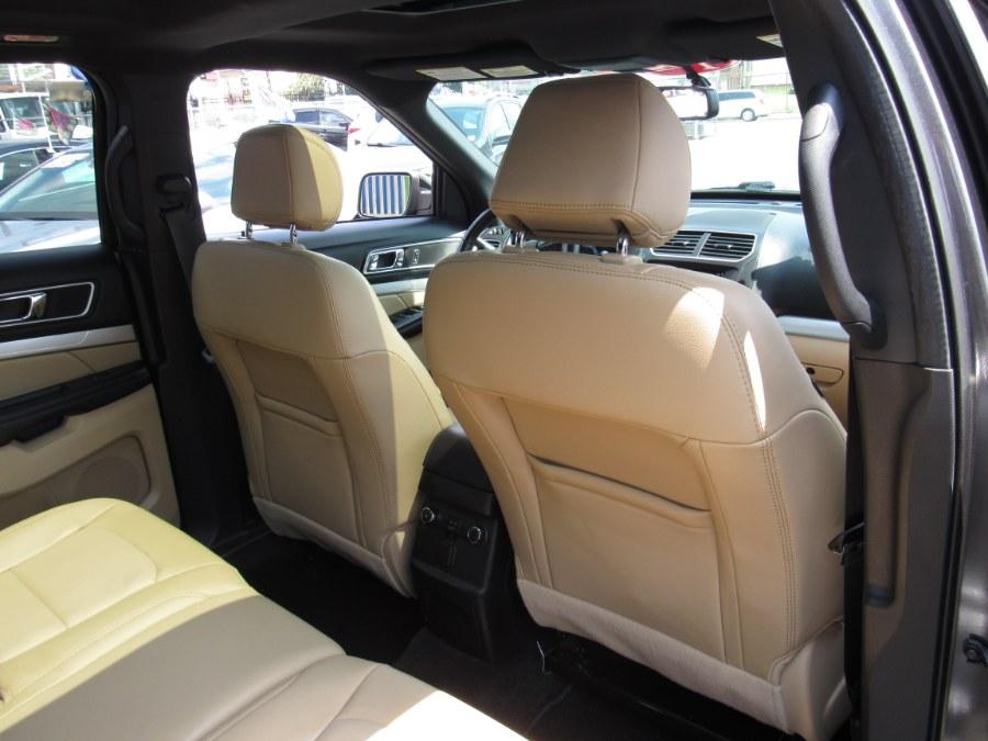 2017 Ford Explorer XLT 4WD photo