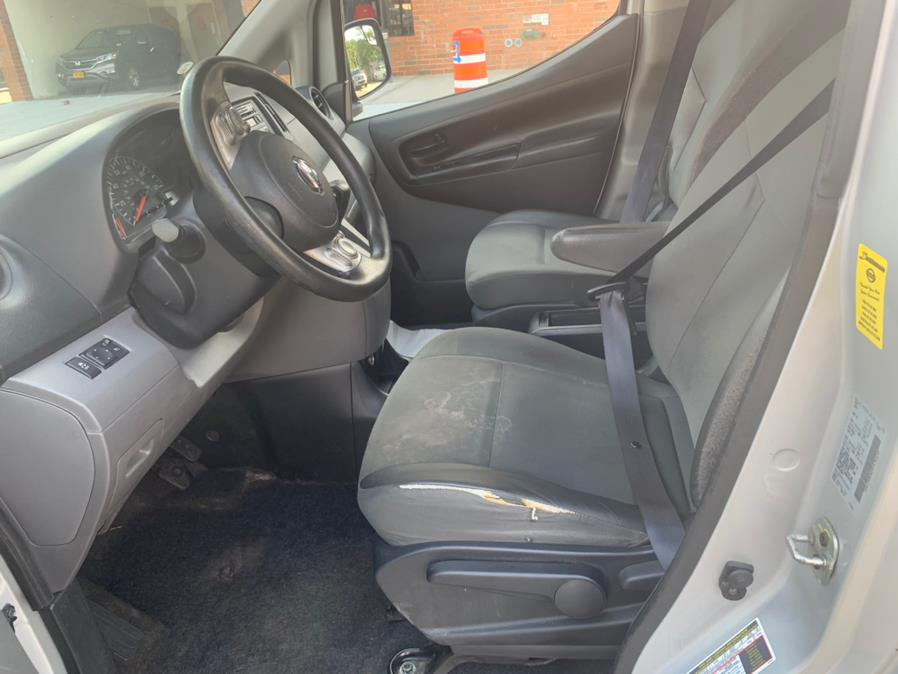 Used Nissan NV200 I4 SV 2013 | Atlantic Used Car Sales. Brooklyn, New York