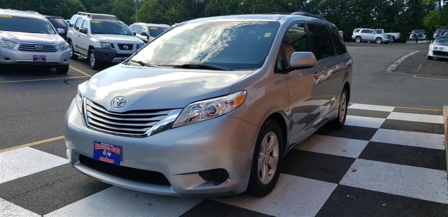 2015 Toyota Sienna 5dr 8-Pass Van LE photo